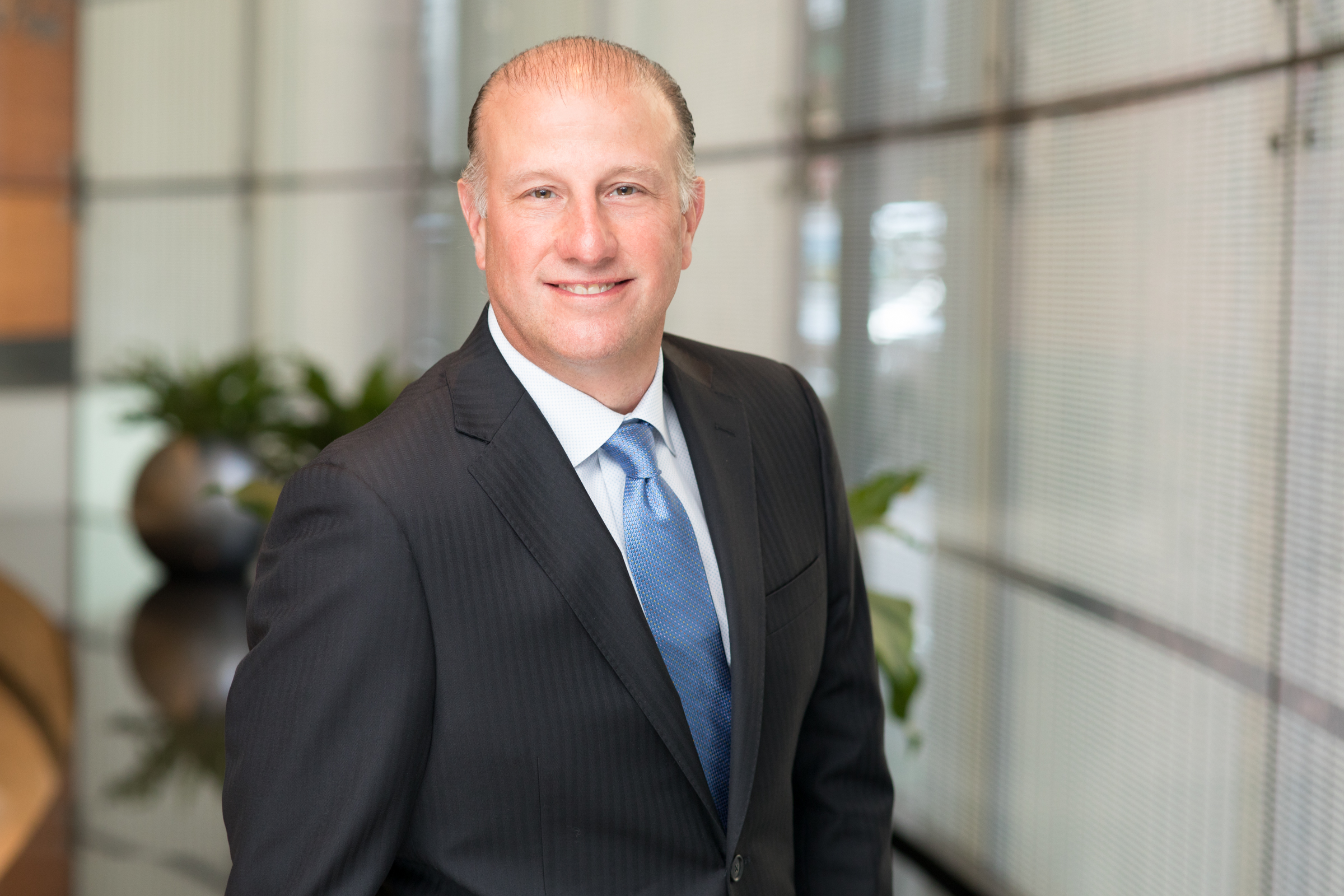 Stuart Noyes - Stuart provides clients with strategic and tactical turnaround solutions based on understanding and capitalizing on their businesses, the market, and revenue and cost opportunities. He has participated in numerous restructurings, divestitures, liquidations, mergers, and acquisitions.