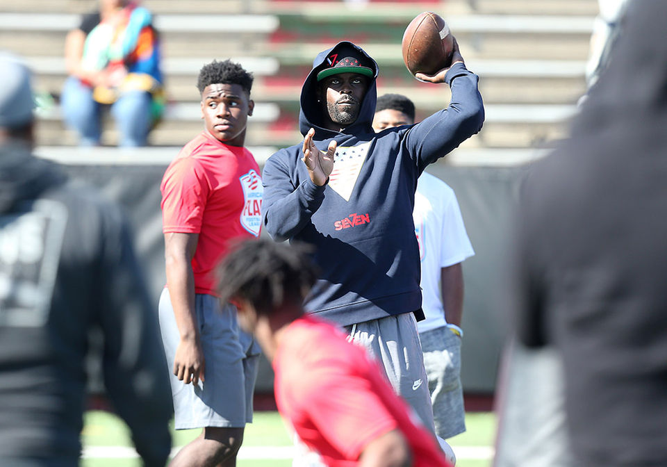 e05_footballv7_elite_showcase_seriessd18415_0001_v7vick.jpeg