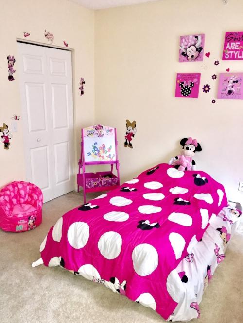 Minnie Mouse Room.JPG
