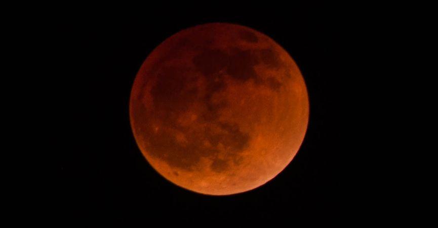 lunar_eclipse_feature.jpg