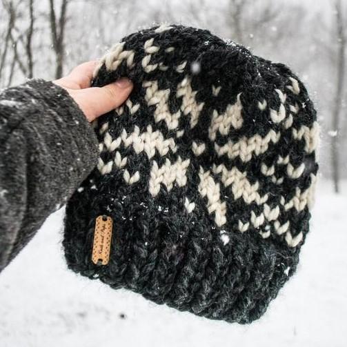 snowflake beanie.jpg