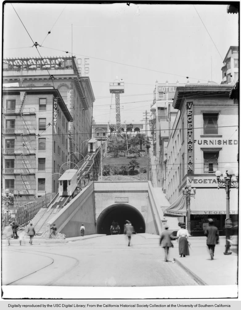 Angels Flight at the Hill Street tunnel