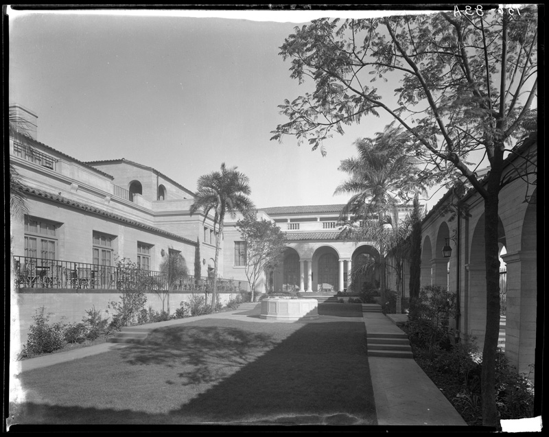 Courtyard at the Ebell Clubhouse  Photo by Mott Studios via California State Library (c. 1930)