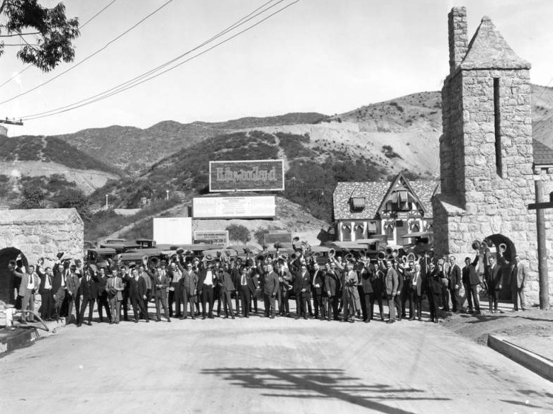 Hollywoodland salesmen in front of the realty office. Photo via Los Angeles Public Library (1924)