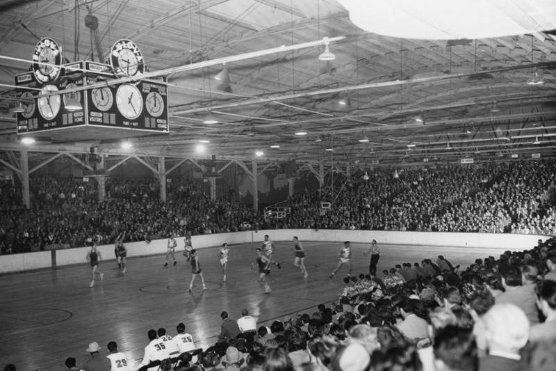 Basketball game at Pan Pacific Auditorium. Image via LA Public Library (year unknown).
