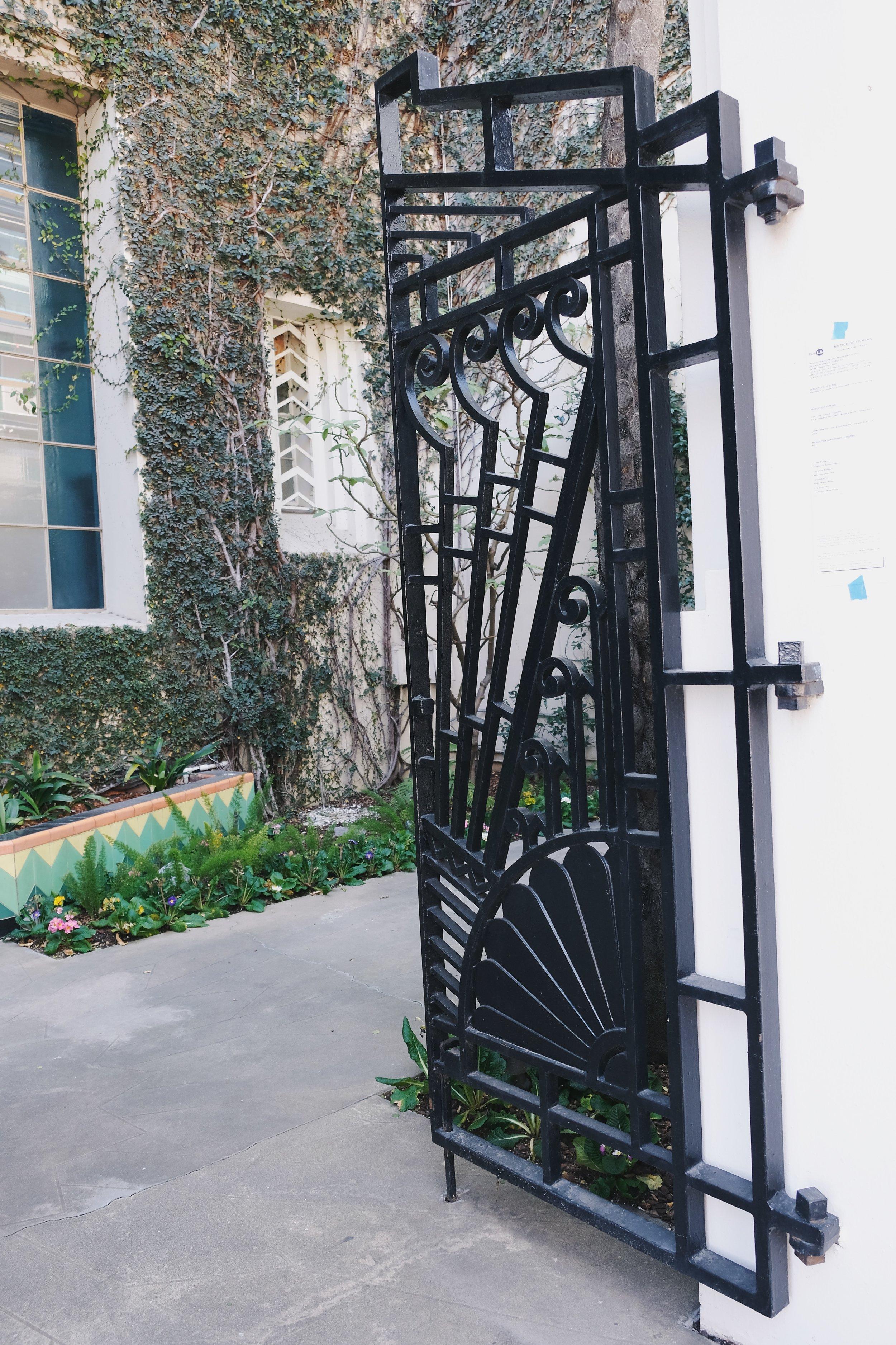 Howard-Hughes-HQ-7000-Romaine-2019-11