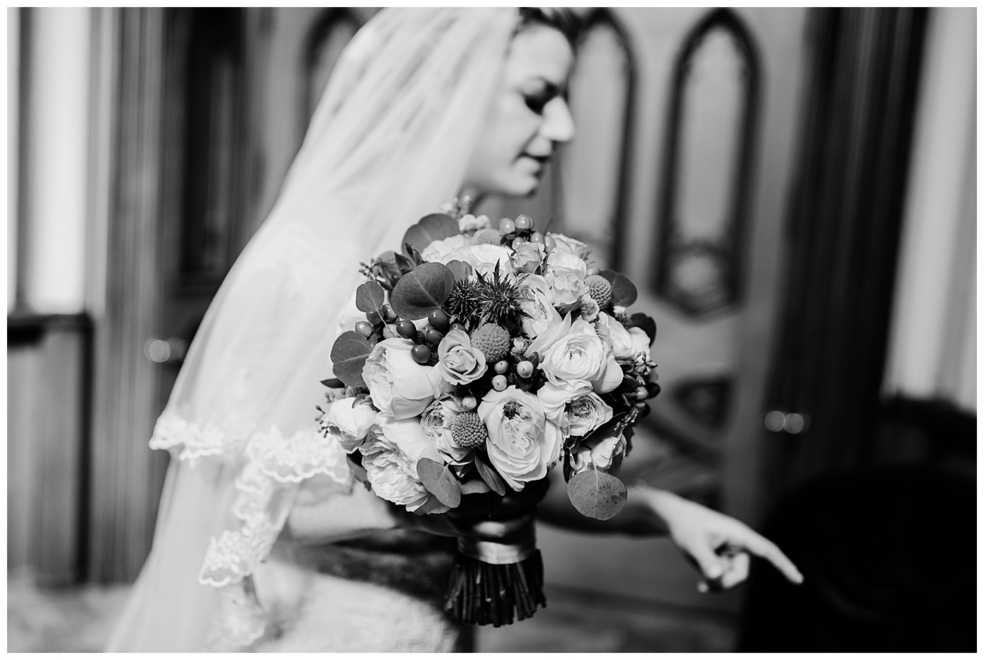WeddingNotreDameBasilicaoftheSacredHeartKellyRussoPhoto_0125.jpg