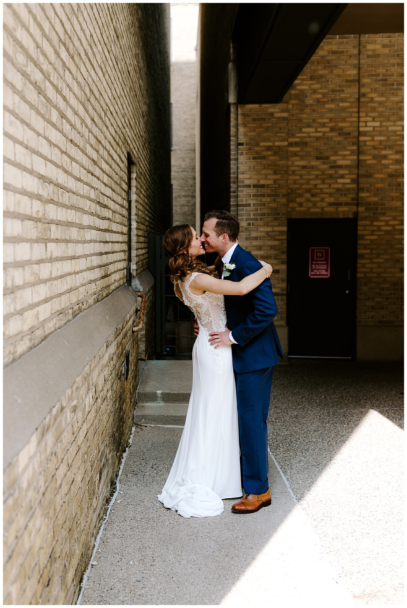 the renaissance minneapolis hotel the depot minneapolis mn wedding photographer_0236.jpg