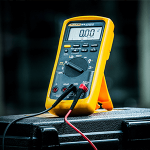 FLUKE MULTI TESTER - This F1 multi tester will give students a better foundation to compete in the market during after they have finished their course of study.
