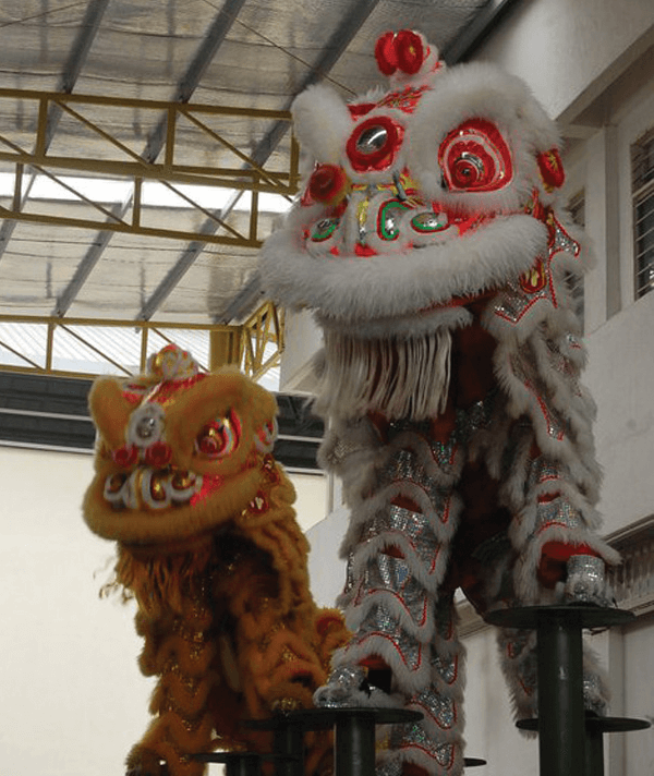 TOC-110211_lion_dance_02.png