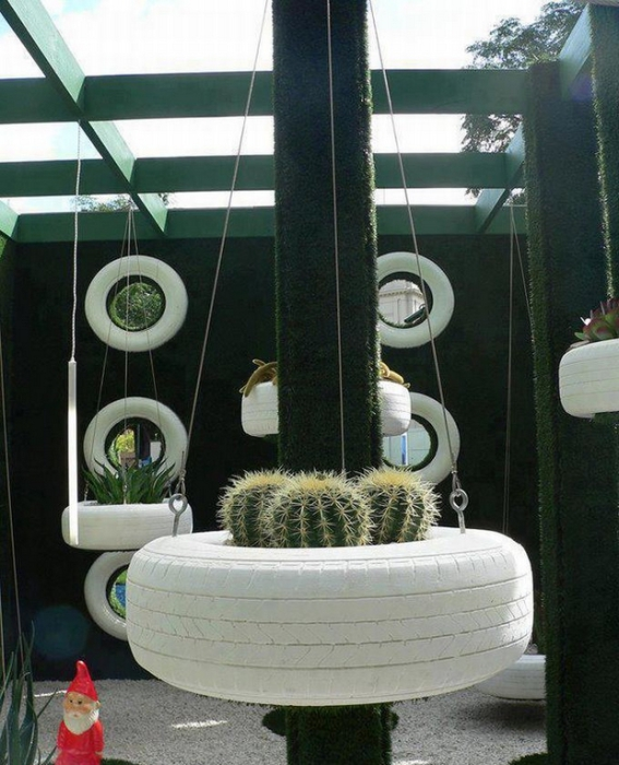 Source:  http://oddstuffmagazine.com/11-simple-and-creative-ideas-for-using-old-tires.html