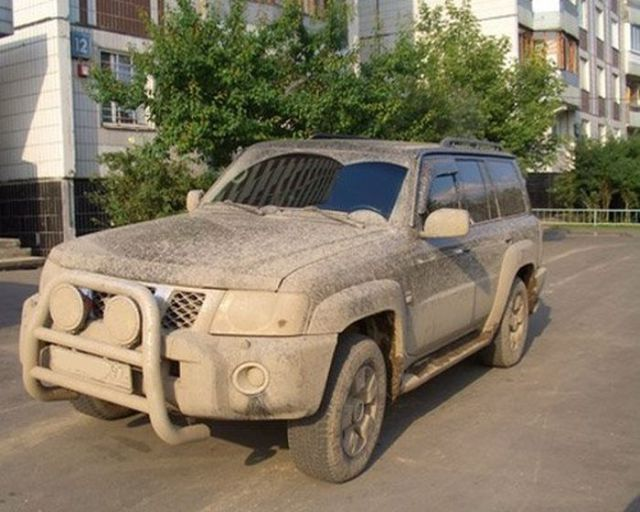 Source:  http://izismile.com/2012/04/09/really_dirty_cars_from_russia_12_pics-9.html