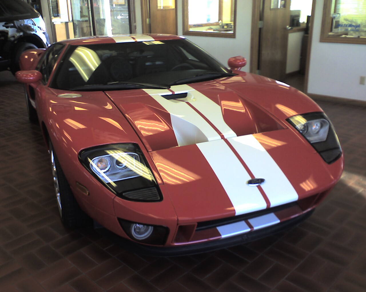 Source:  http://www.know4now.com/wp-content/uploads/2013/03/Ford_GT_At_McMullen_Ford.jpg