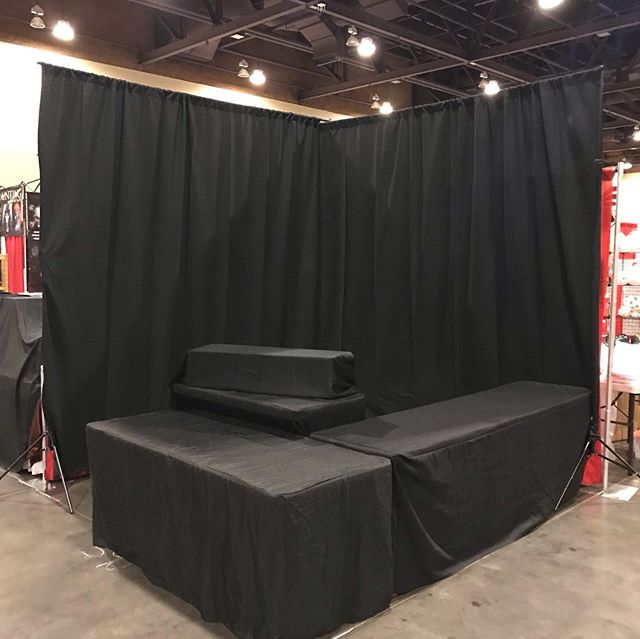 The night before.... empty canvas. More tomorrow morning!! Driftwood Archives, Booth 390... come swing by!  #phoenixcomicon #phoenixfanfusion #darkart #darkfantasy #fantasy #digitalart