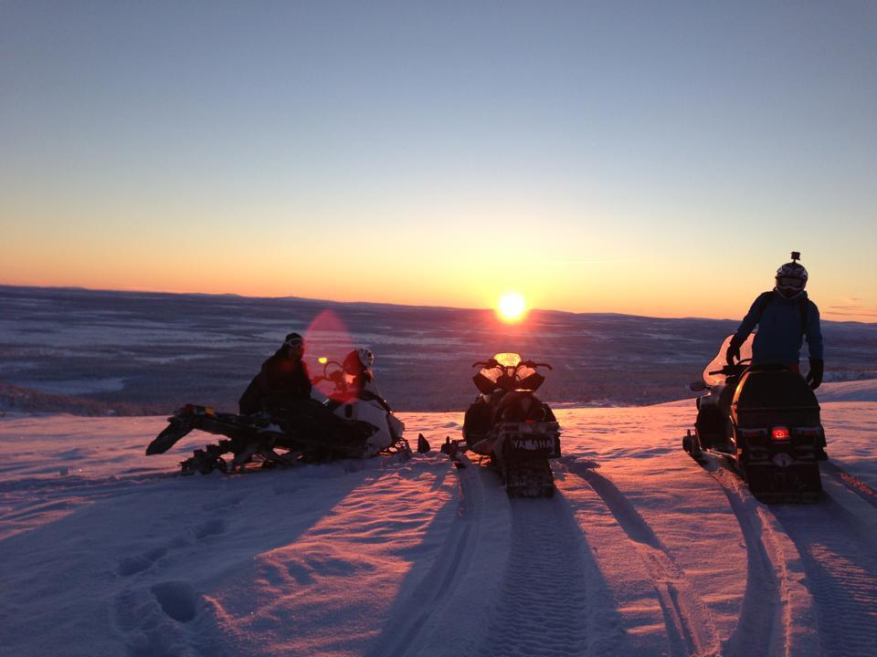 Kiruna_adventure_tours_snowmobile - Copy.jpg