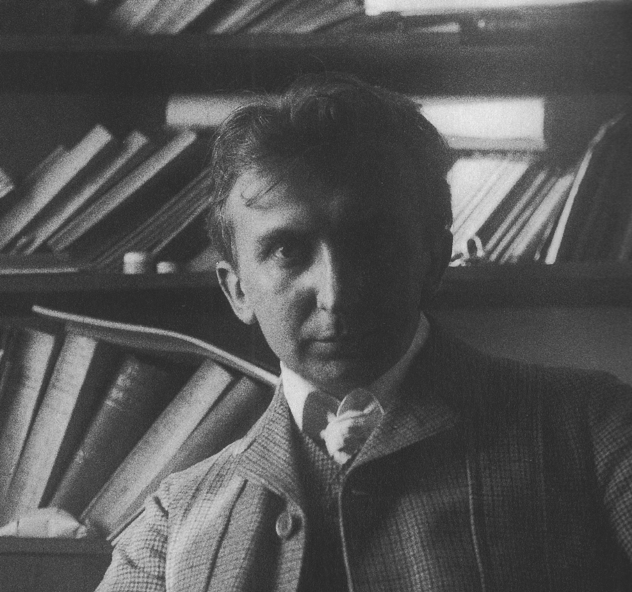 August Endell portrait.jpg