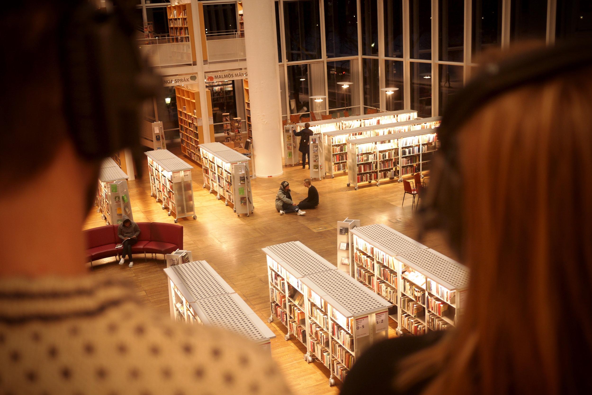 Pressbild-Teater på ditt bibliotek.jpg
