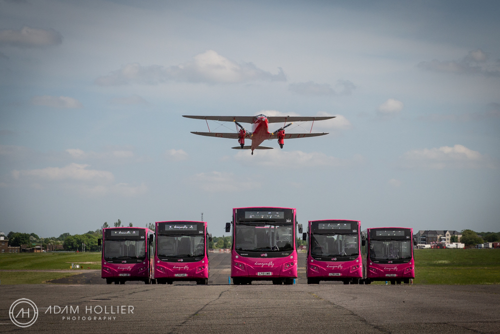 This PR shoot for Uno buses features a stunning De Havilland DH 90A Dragonfly and some shiny new Uno Dragonfly buses. The plane seemingly flew very close to the buses getting a tad closer every time!