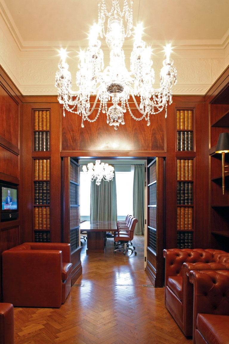 BERKELEY SQ LIBRARY.jpg