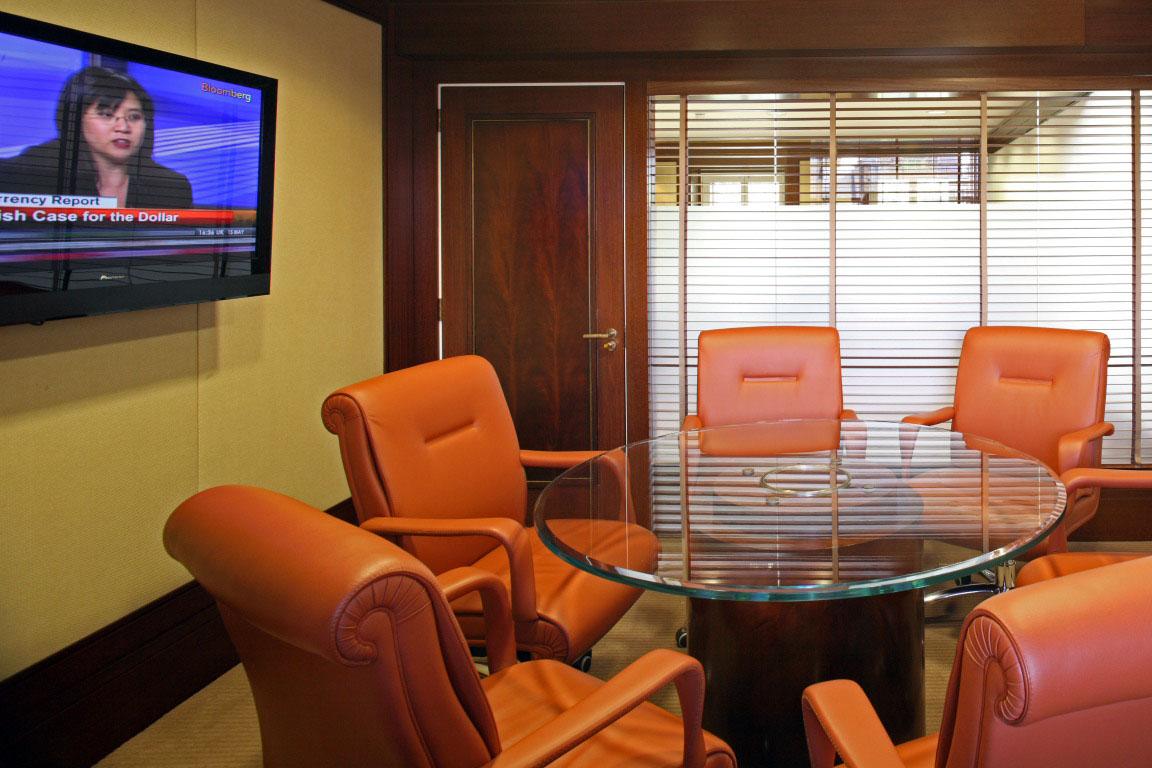 BERKELEY SQ MEETING ROOM.jpg
