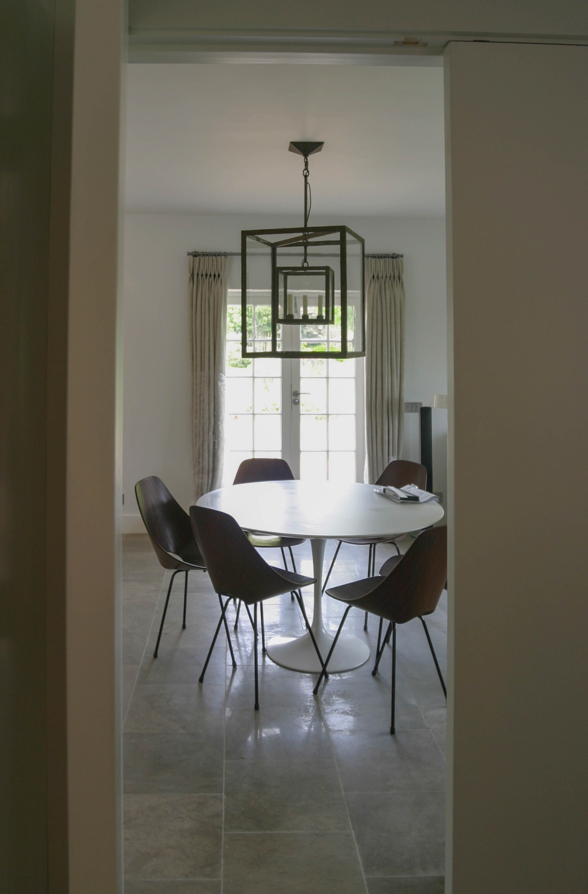 05kitch table0835.jpg