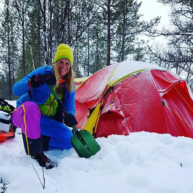 Igang med nok et villmarksterapi-program! Denne gangen har vi med Heidi fra @norduniversitet. Hun skal forske på modellen vår slik at flere kan få tro på at villmarksterapi er noe vi vil ha for de som står fast #norsketurbilder #foto #mittfriluftsliv #ut #liveterbestute #friluftsliv #fysiskaktivitet #villmarksterapi #psykologi #jfof #ute #uteliv #adventure #explore #bonfire #norskfriluftsliv #norgefoto #welcometonature #thegreatoutdoors #adventure #komdegut #psychology #følelser #emotionalhealth #personligutvikling #folkehelse #troubledteens