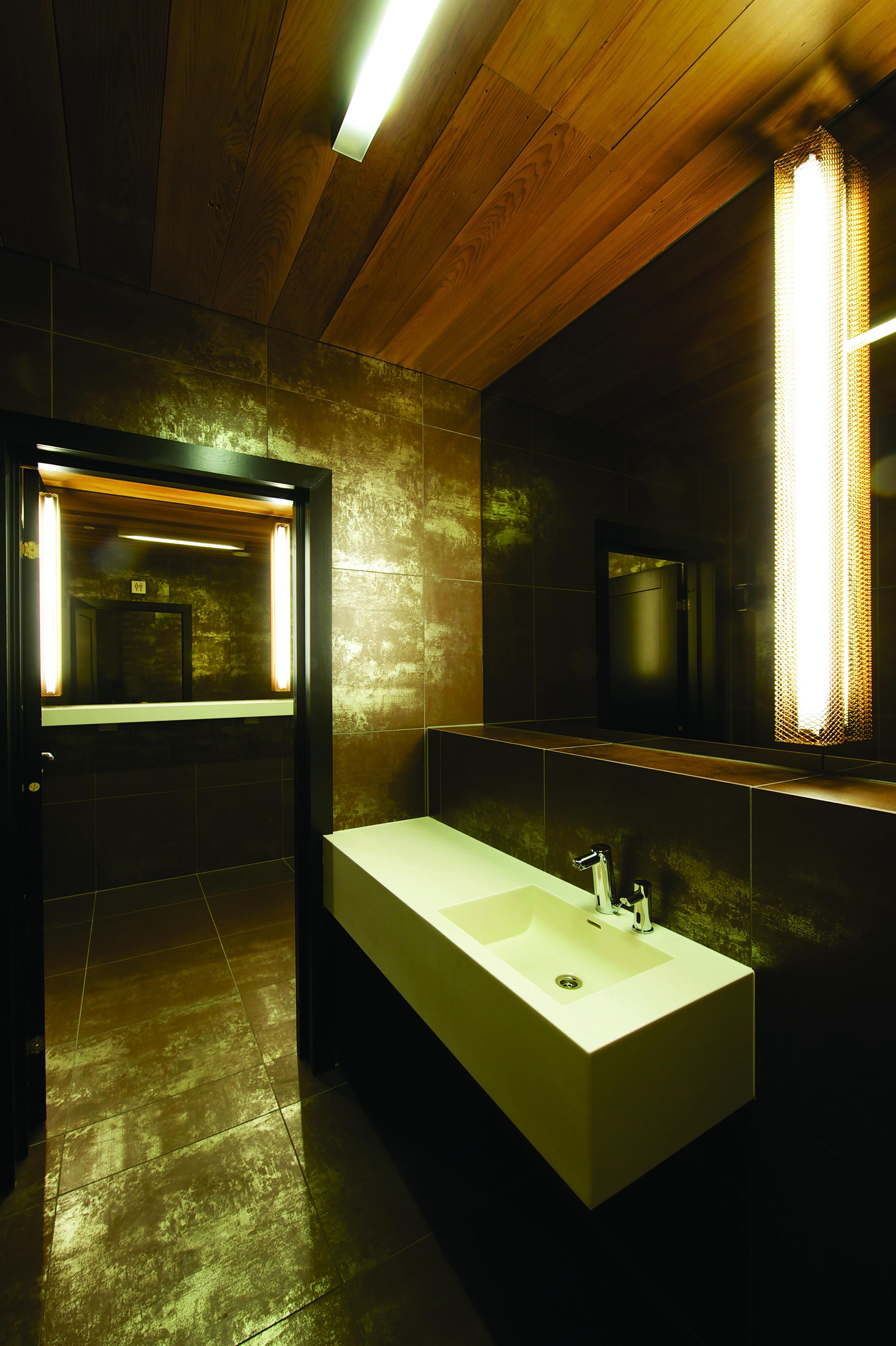 PALEET 20_Public Restroom_Nils Petter Dale.jpg