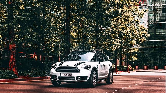 📸 the new @mini_belux campaign at London 🚙 #countryman #minicooper #car #london #photography #canon #canonbelgium