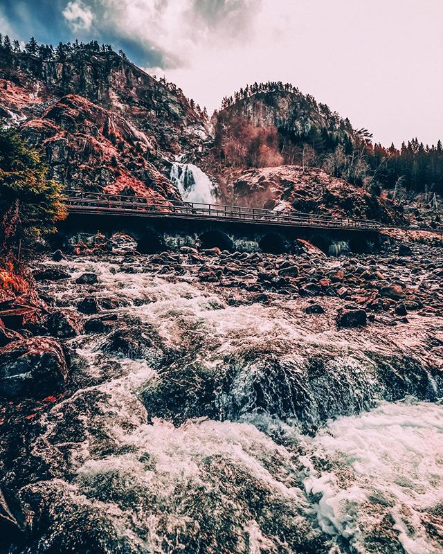 Crossing waterfalls 💧🗻💧🇳🇴