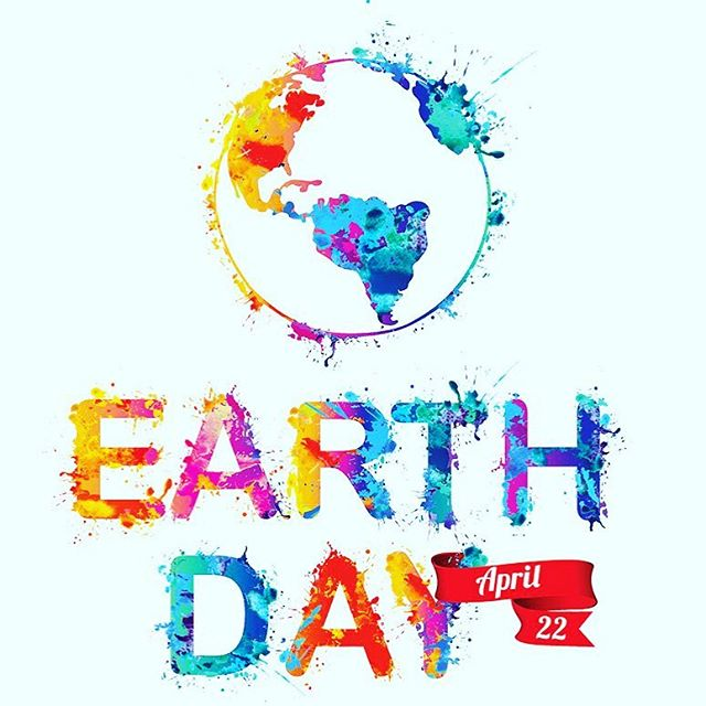 Happy Earth Day!  We develop our clean skin care products with the earth in mind! We don't use fillers in our formulas and we evaluate every ingredient for safety and efficacy.  Our serums are packaged in glass bottles and our cartons are 100% recyclable and are made up of 25% post consumer waste paper board! 🌎 🌍 🌏 #earthday2019 #earthday #cleanbeauty #cleanskincare #protecttheearth #protecttheocean #recycle #earth