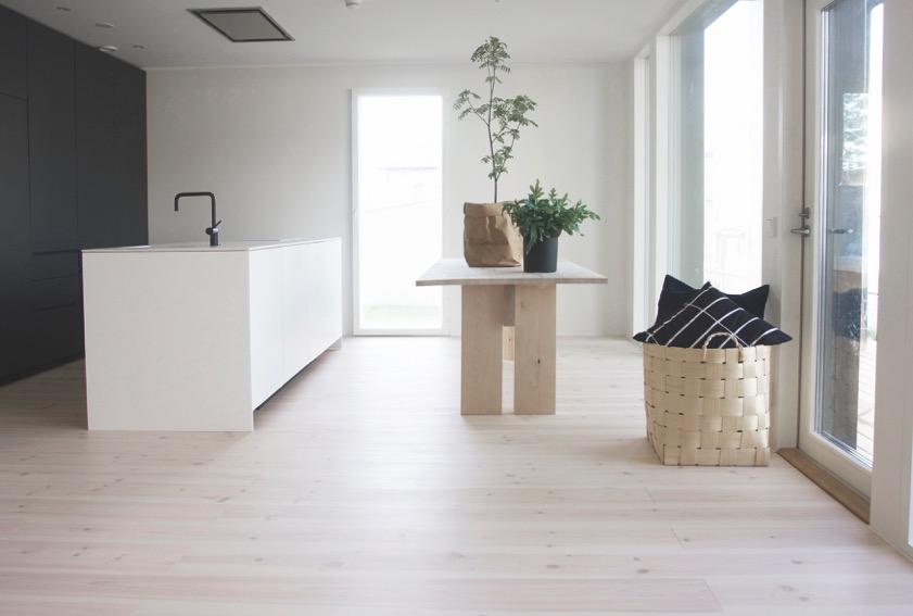 Pine_sanded_lye_white wax oiled_kitchen_CMYK.jpeg