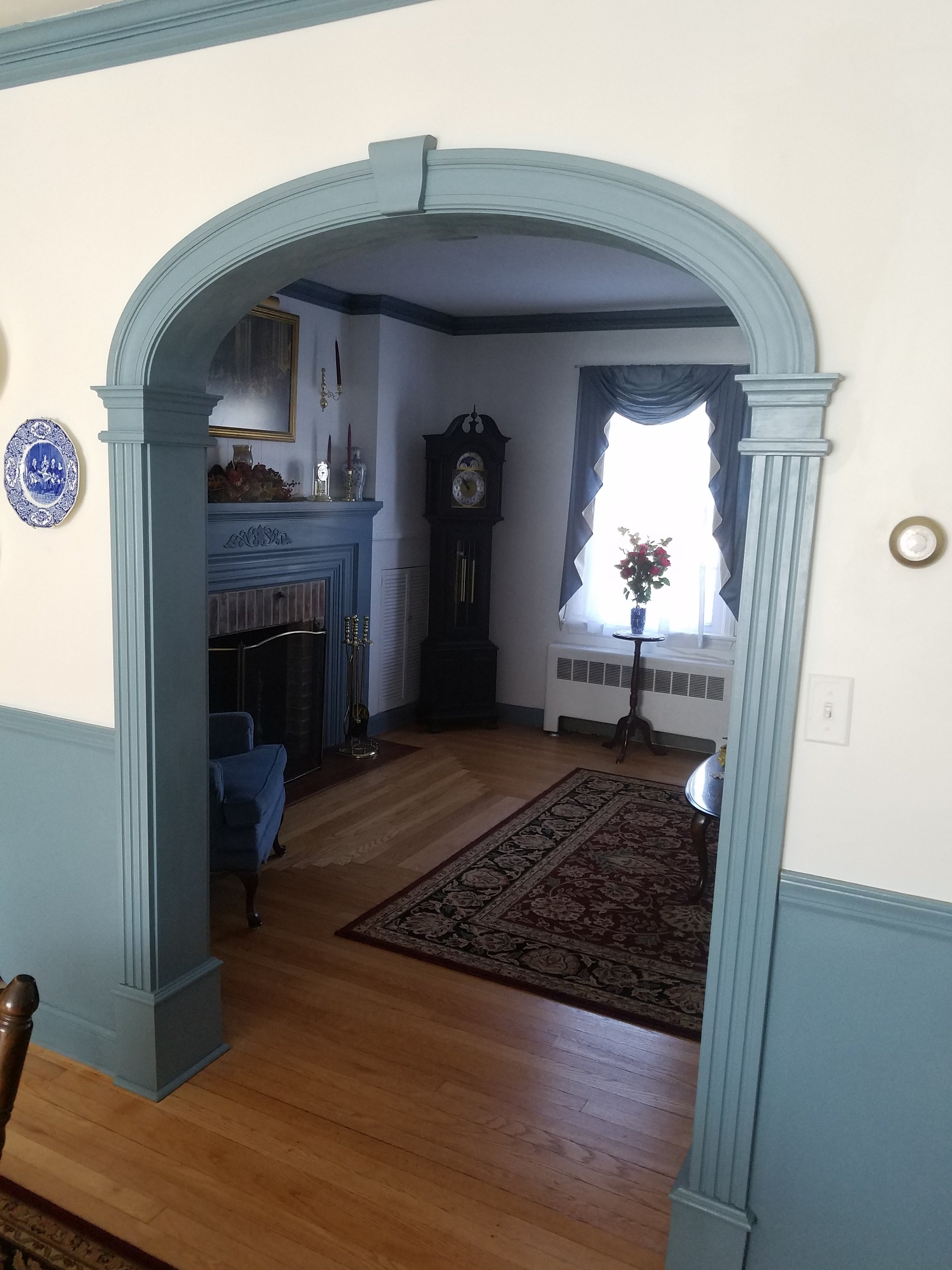 Living Room Archway