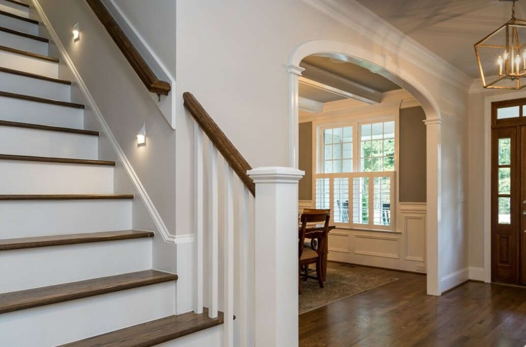 7-foot arched opening from foyer to dining room, elliptical shape