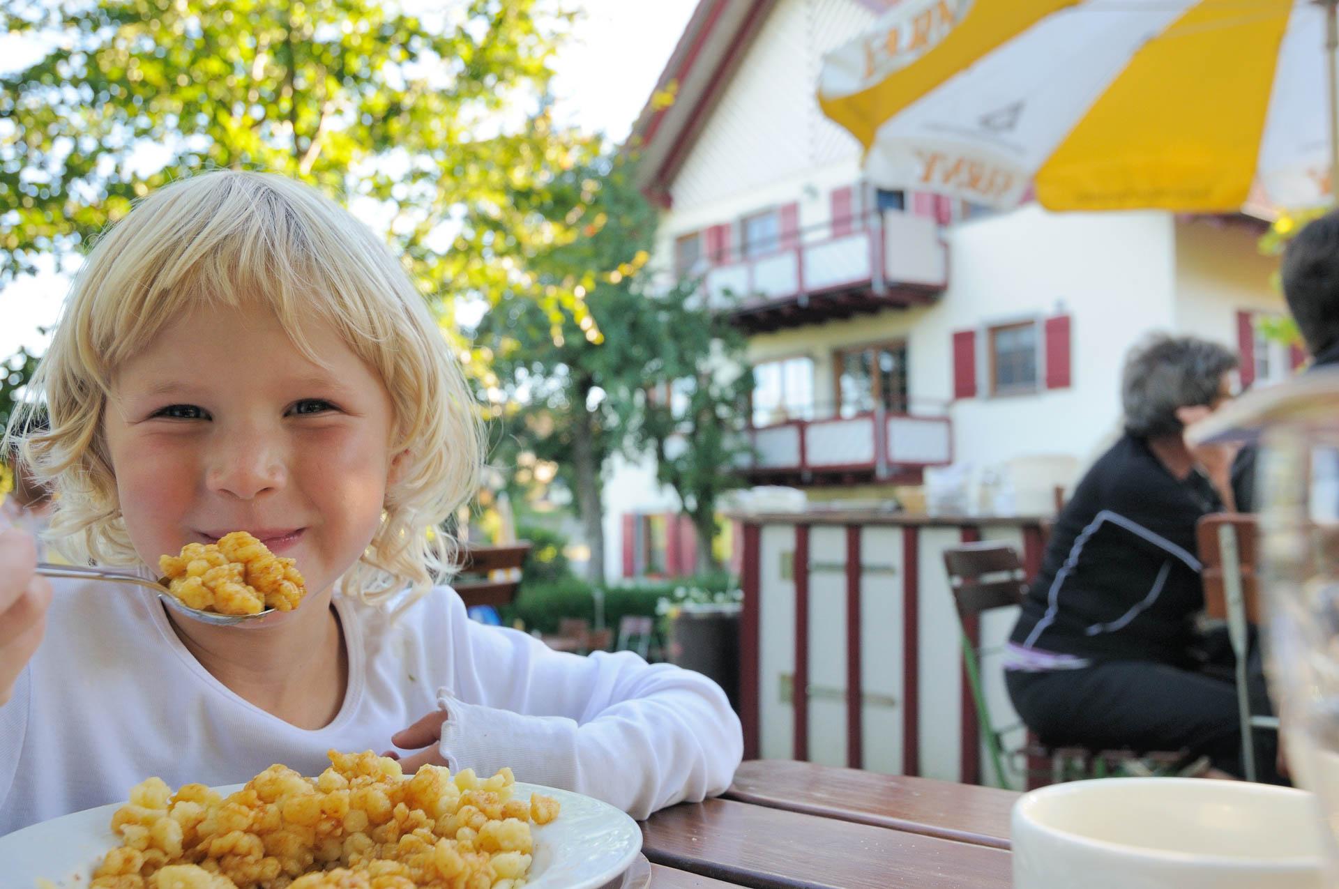 Spielen macht Appetit - Gasthaus Seerose in Nitzenweiler bei Kressbronn am Bodensee