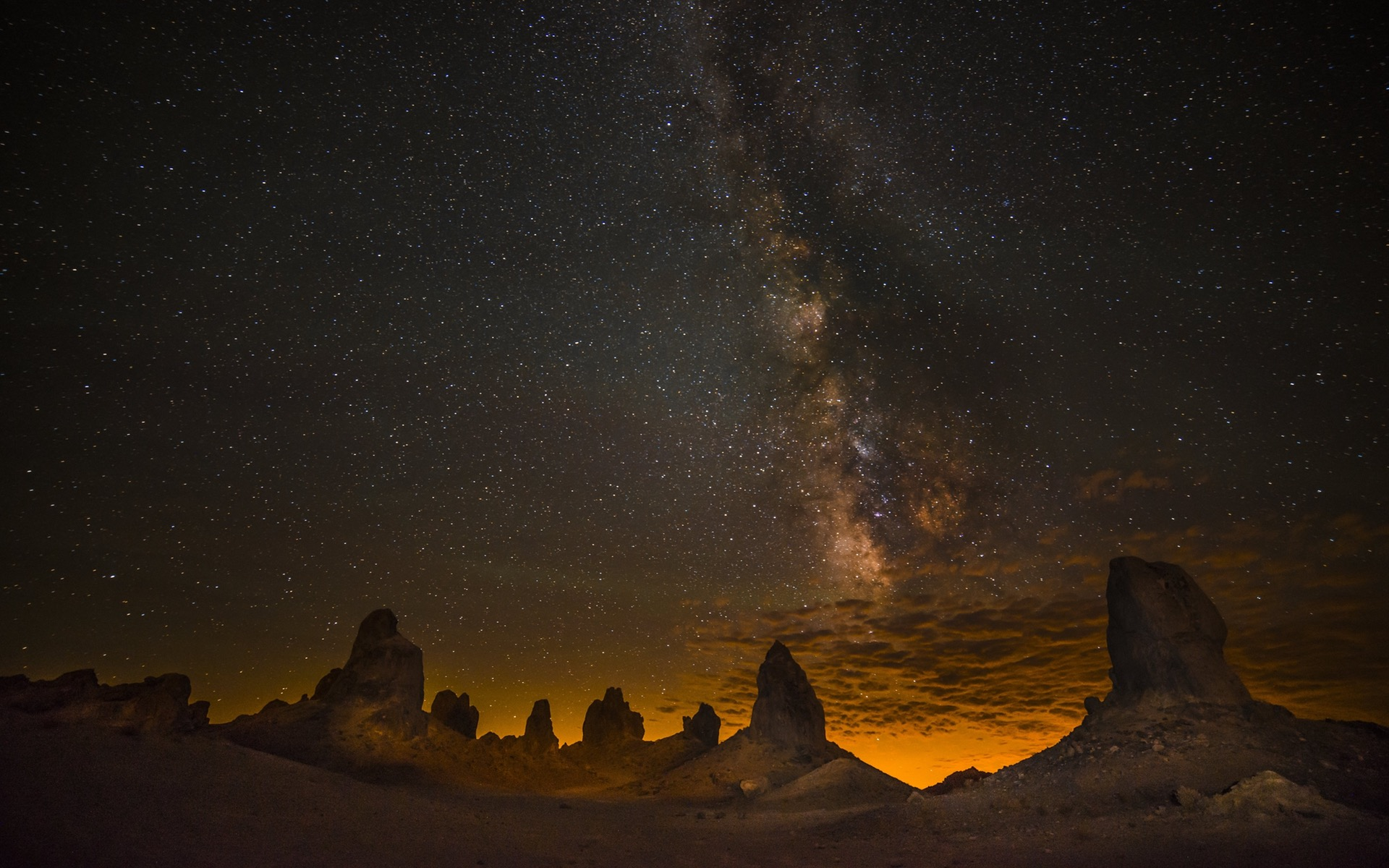 desert-night-wallpapers-widescreen-1920x1200.jpg