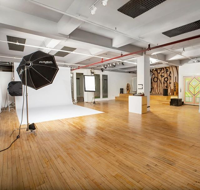 Our new 2500 sqft studio w two green rooms and a stage ⚡⚡ . . . . . . . . . . . .  #photostudio #nycphotostudio #portraits #portrait #portraits_ig  #nyc #portrait_perfection #portraits #snowisblack #bleachmyfilm  #portraitmood #featurepalette  #profile_vision #2instagood  #justgoshoot#artofvisuals  #l0tsabraids #ftwotw #fashion #nyfw #nyfw2019 #elitemodels #img