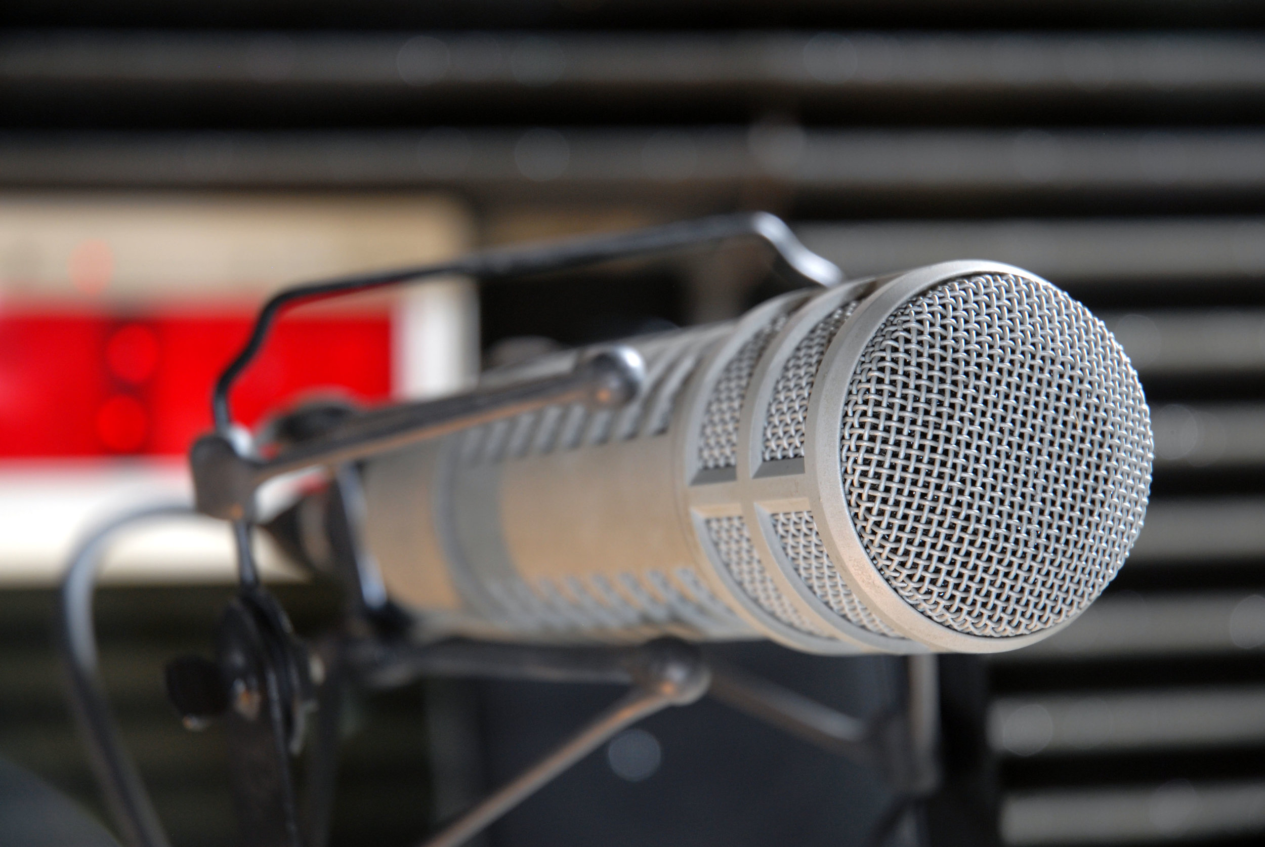 FSN RADIO - Give your station a global edge with customized news feeds and our anchored, commercial-free news bulletins.Click here to learn more about how to subscribe to FSN RADIO now.