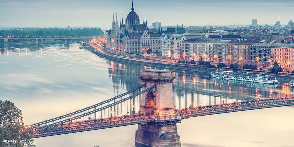 FSN BUDAPEST - Part of the FSN LIVE network