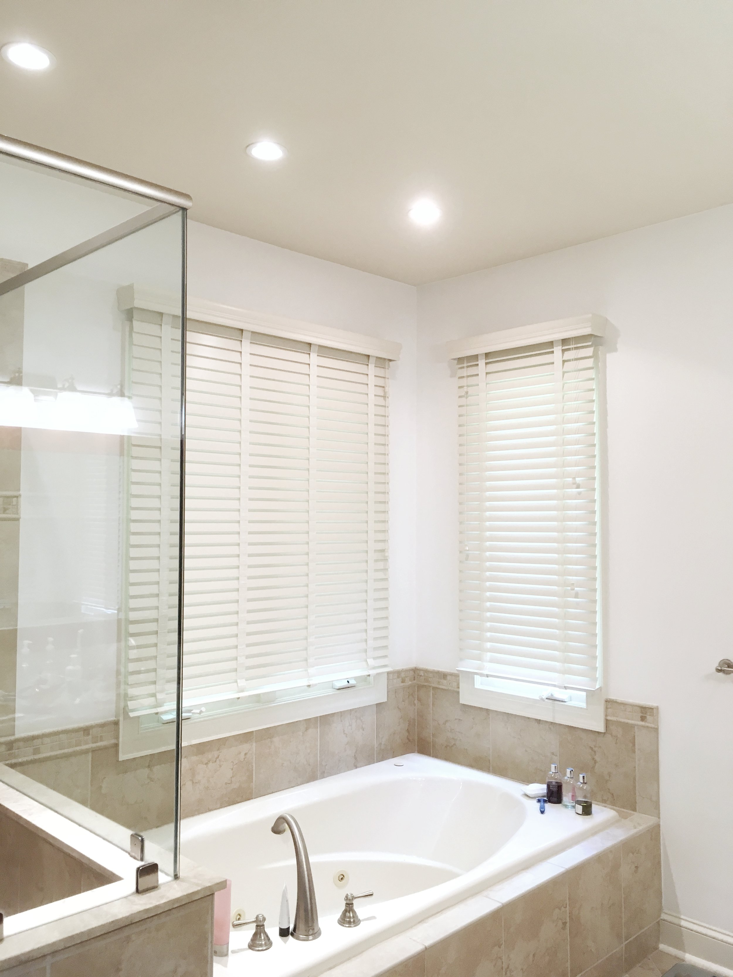 Bathroom with spa tub and 3rdGenBlinds custom window blinds