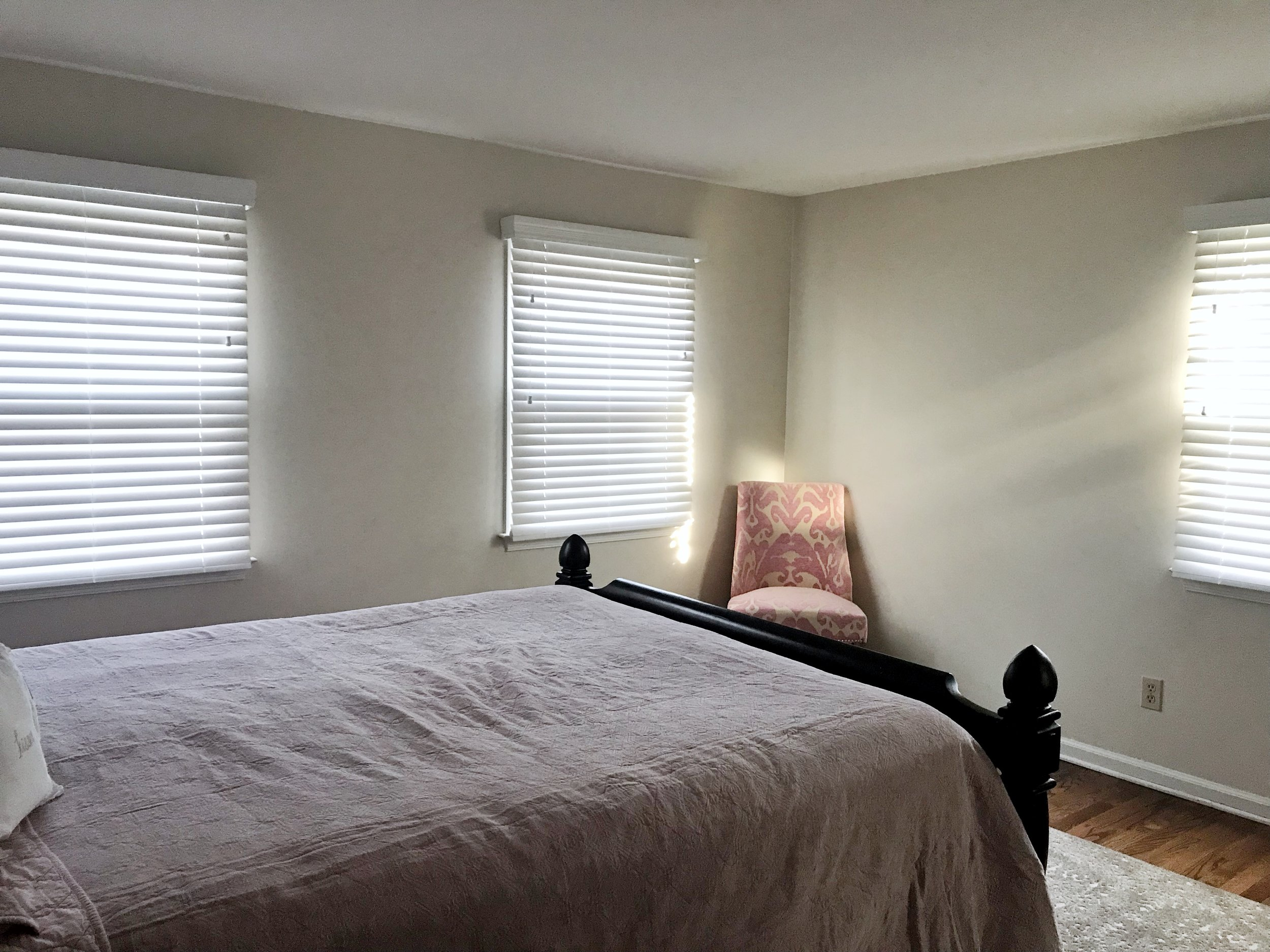 3rdGenBlinds white custom window blinds in guest bedroom