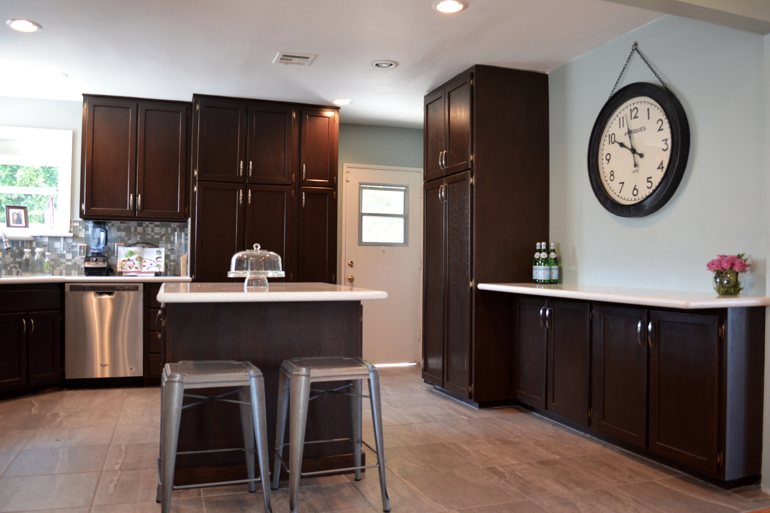 First impressions are everything - What is Home Staging?Home Staging is a professional design service that prepares your home to be sold.Realtors that utilize professional staging have the potential to gain a significant marketing advantage and may increase the value of a listing.
