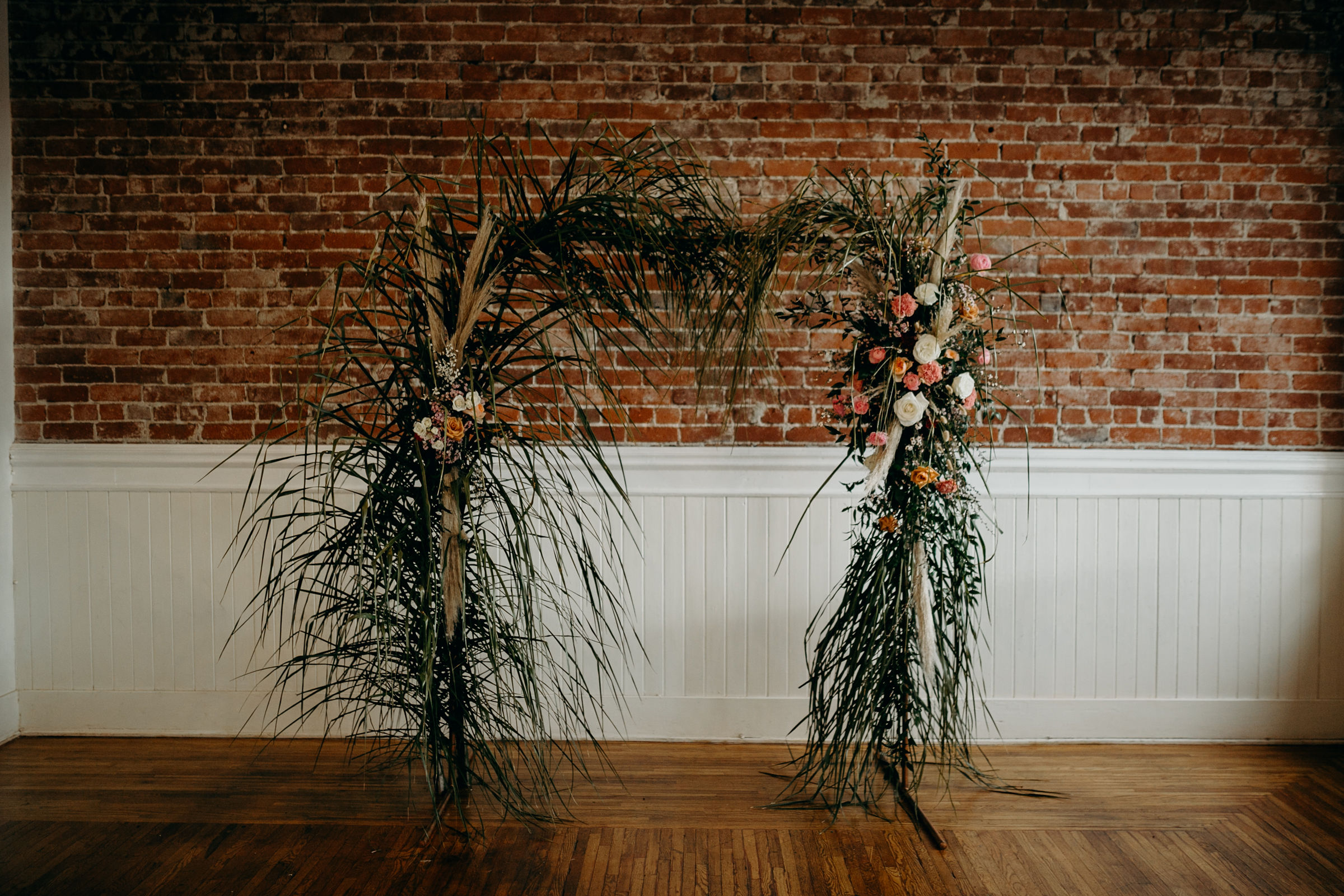 Photo:   Deltoro Photo  |  Florals:  I Dew Flowers |  Venue:   Electric Loft