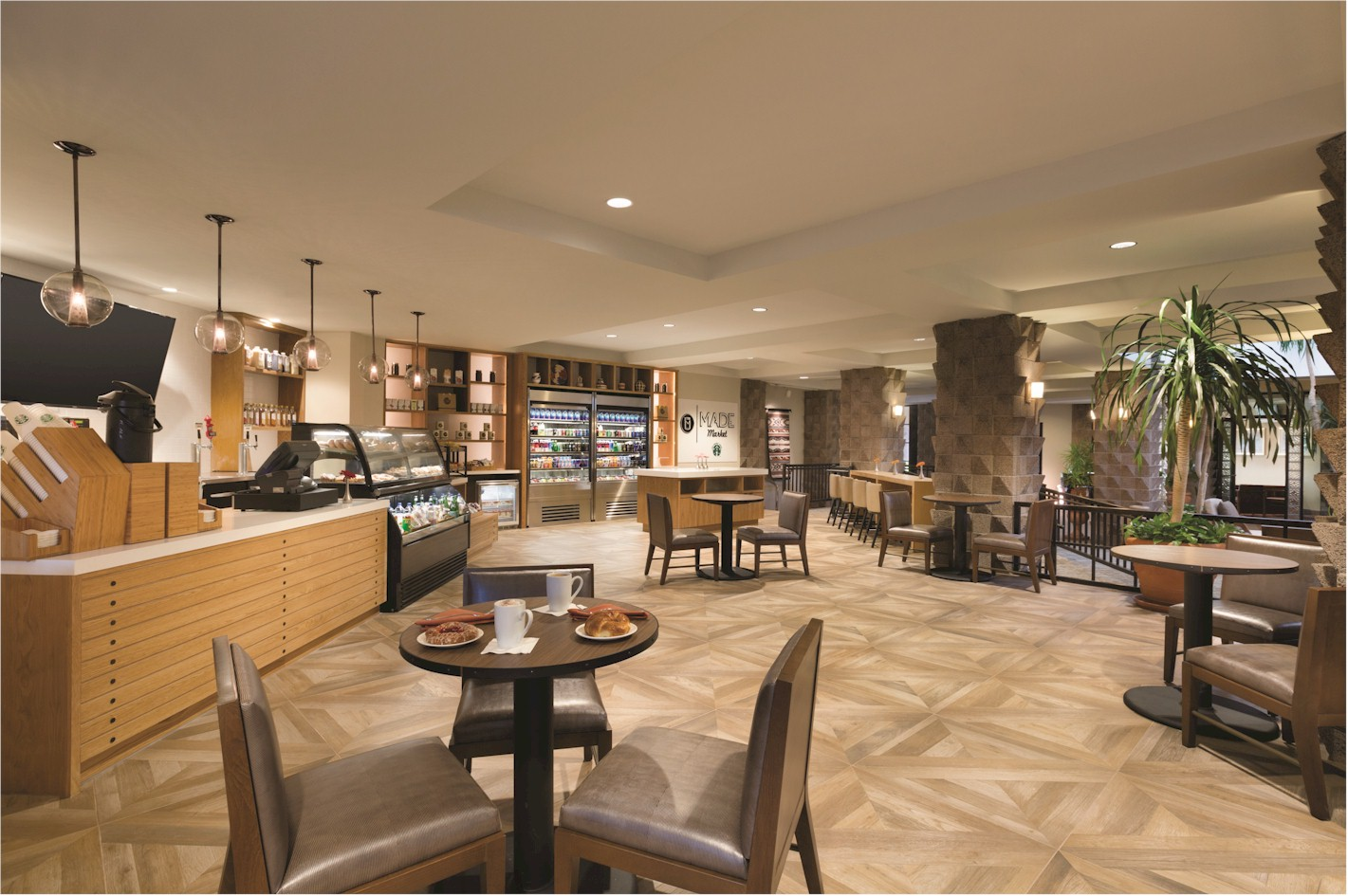 Made Market at Doubletree Paradise Valley presents a fresh look to an open grab-and-go market - think of it as a mix between Pret a Porter and Starbucks. Photo credit - VRX Studios