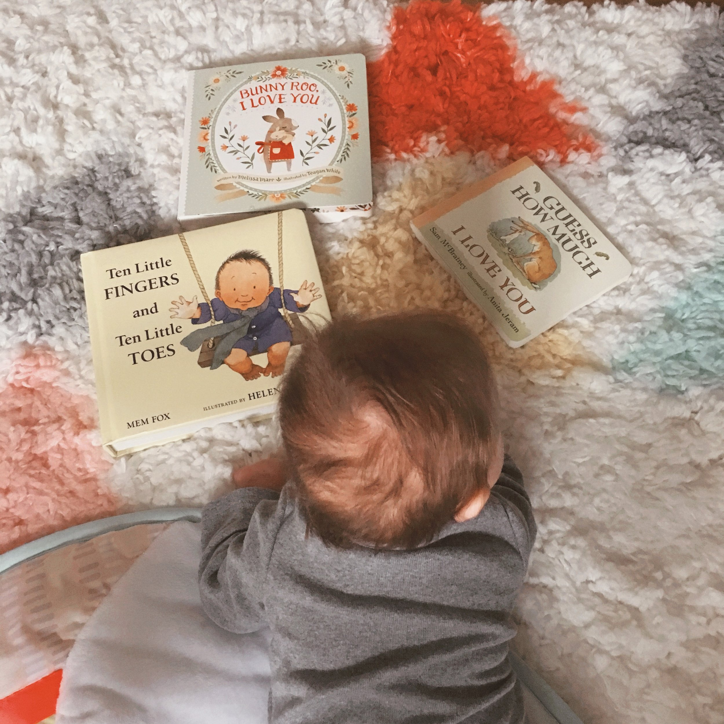 Making Me Happy Now: Baby Books We Love - some helpful tips on how to pick out books for ages 0-6 months and some of the books on my list! - wear she blossoms