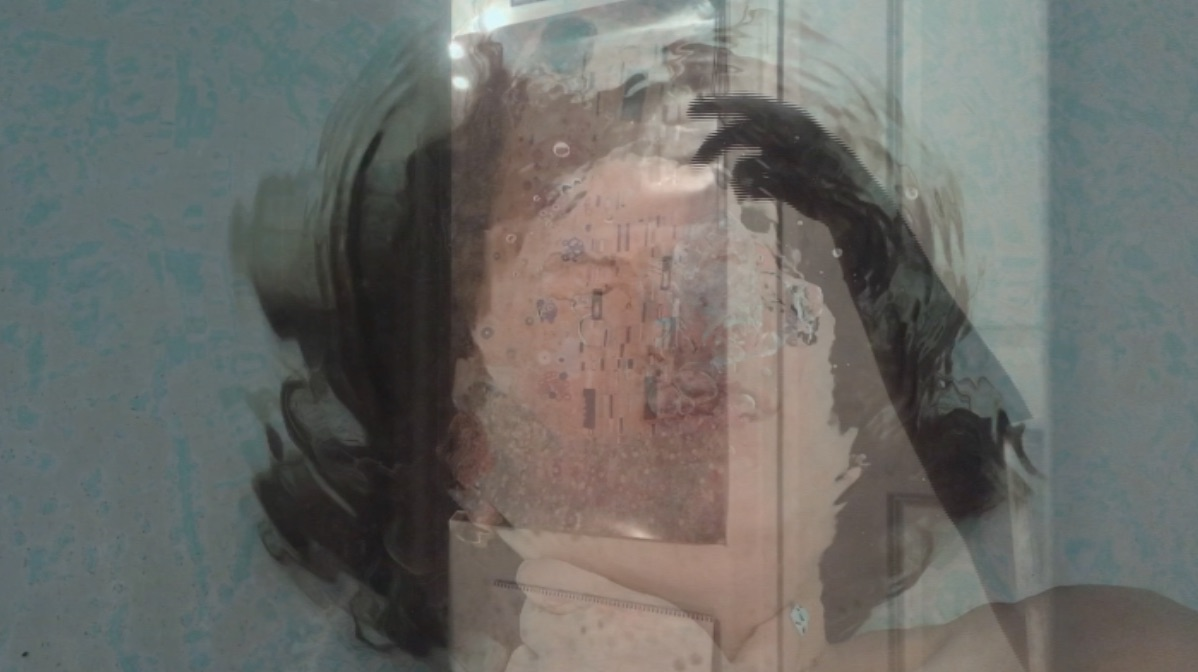 Ana Lucia Carbajal,  Un Canal,  video. Best in Show, 2018 Student Juried Exhibition.