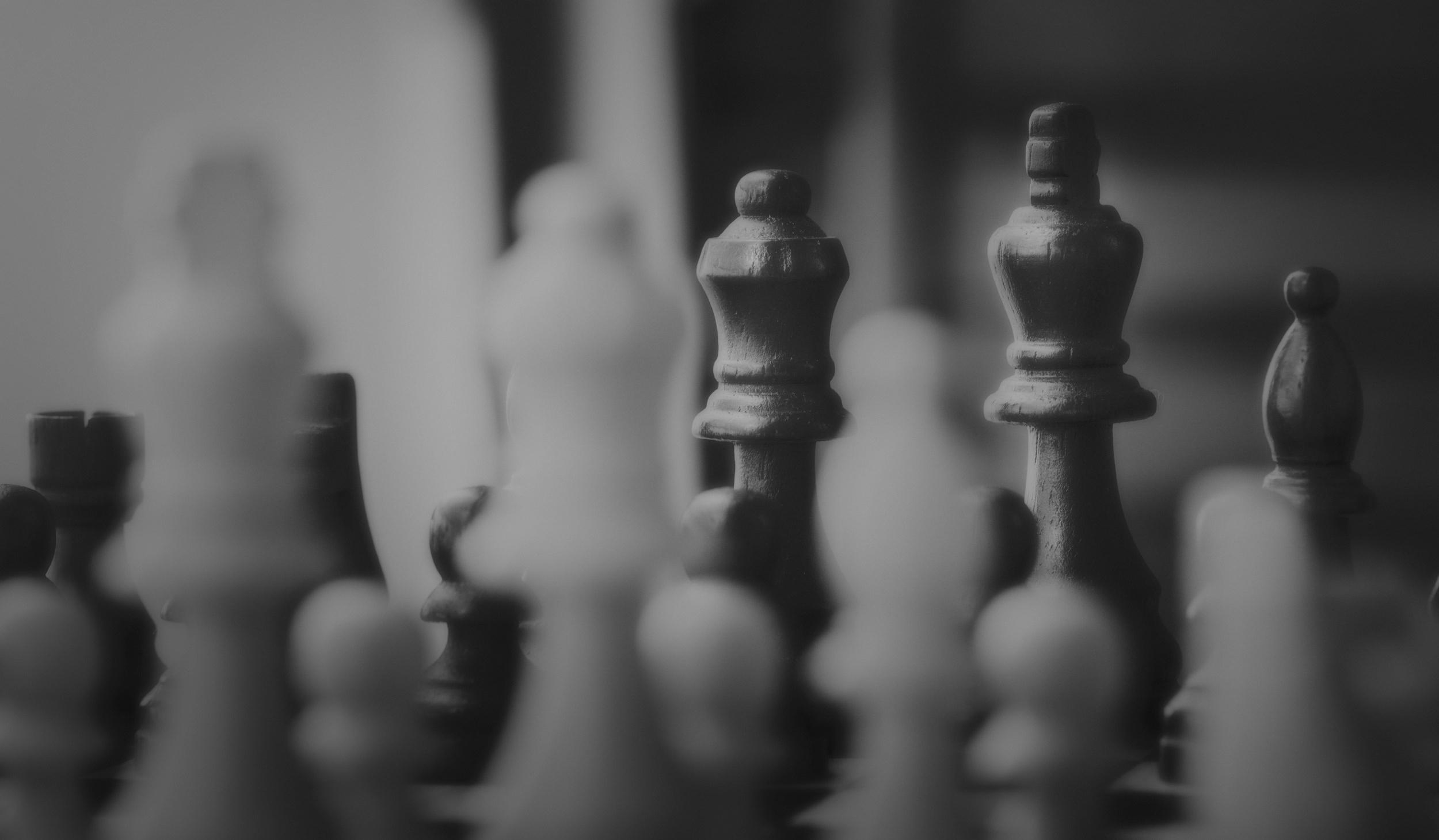 black-and-white-black-and-white-board-game-875515.jpg