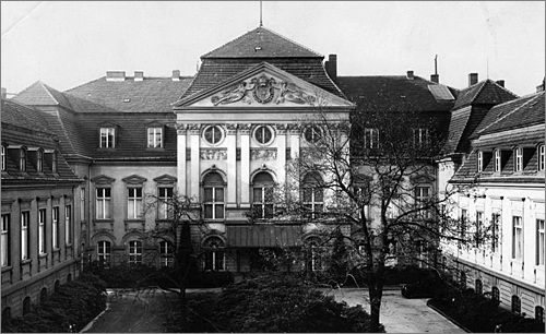 The neo-classical Nazi Reichs Chancery (Reichskanzlerei) before World War II.