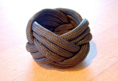 A three-strand Turk's-Head knot