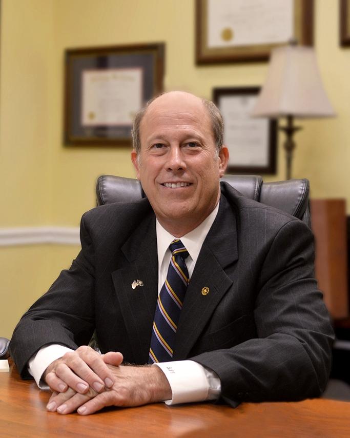 ROBERT G. COLLINS-Attorney.jpg