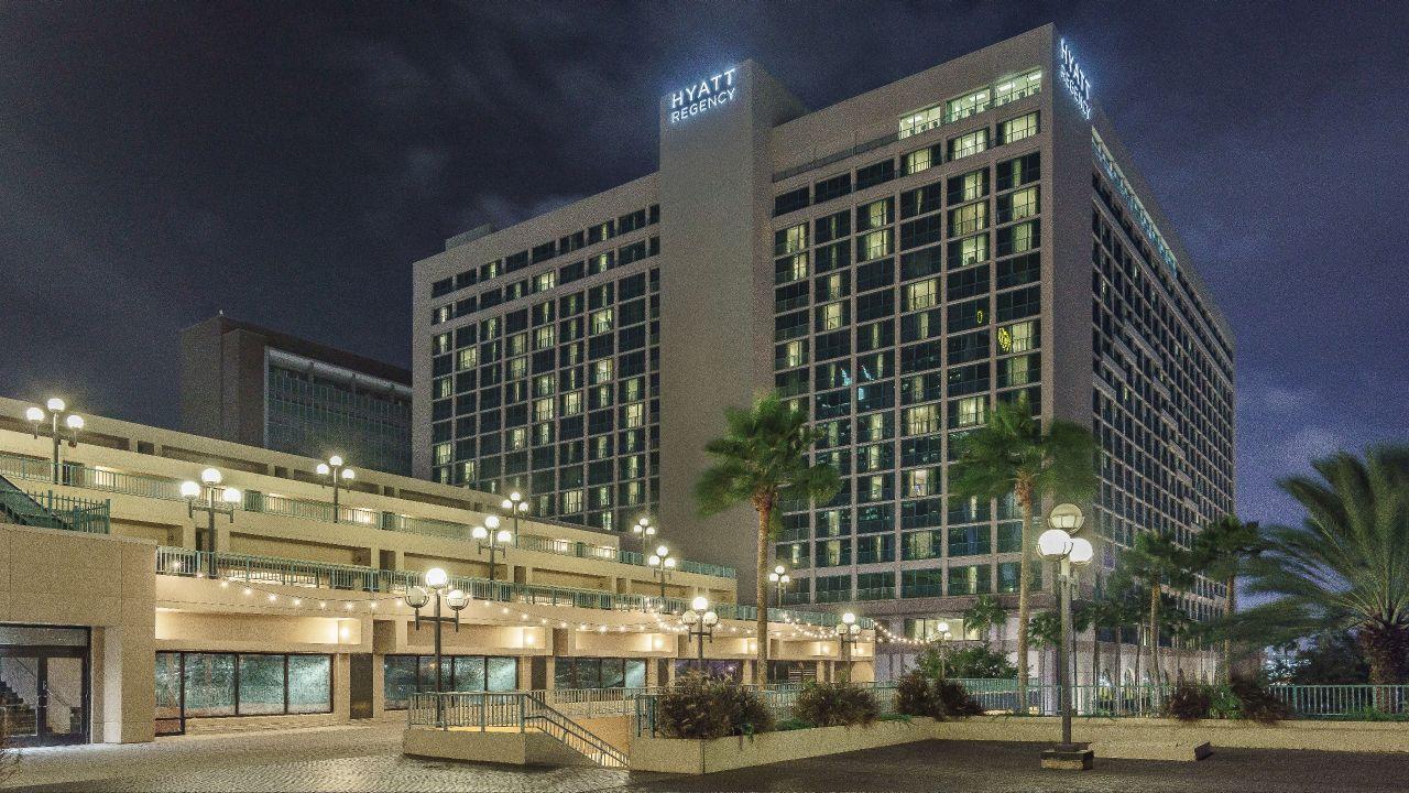 Hyatt-Regency-Jacksonville-Riverfront-P123-Hotel-Exterior-at-Night.adapt.16x9.1280.720.jpg